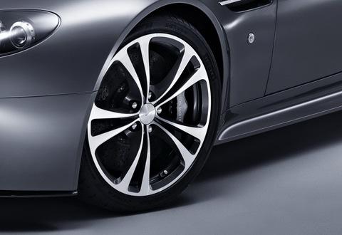 Aston-Martin-V12-Vantage-03