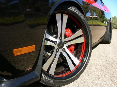 2009-Mr-Norms-Super-Dodge-Challenger-Black-Front-Wheel-1280x960