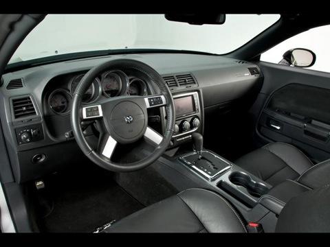 2009-Mr-Norms-Super-Dodge-Challenger-Dashboard-1280x960