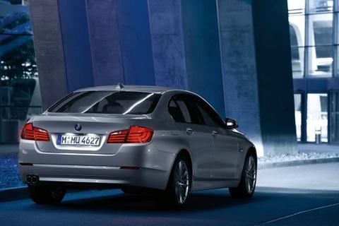 2011-BMW-5-Series-42