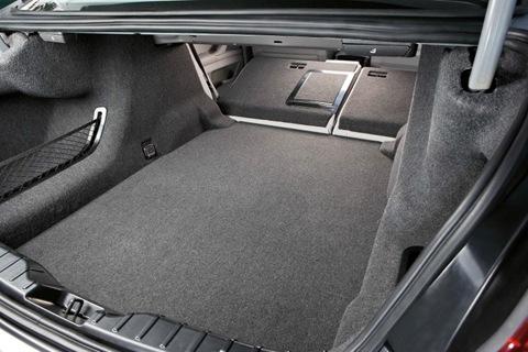 2011-BMW-5-Series-52