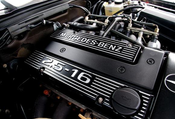 mercedes-benz_190e-evo-ii-motor