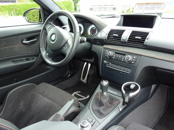 BMW-1er-M-Coupé-Manhart-Racing-Interieur-04