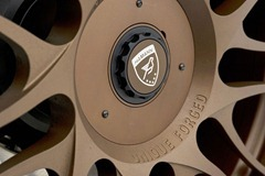2012-Hamann-BMW-M5-F10M-exterior-logo-on-wheel-details