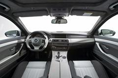 2012-Hamann-BMW-M5-F10M-interior-front-cabin-details