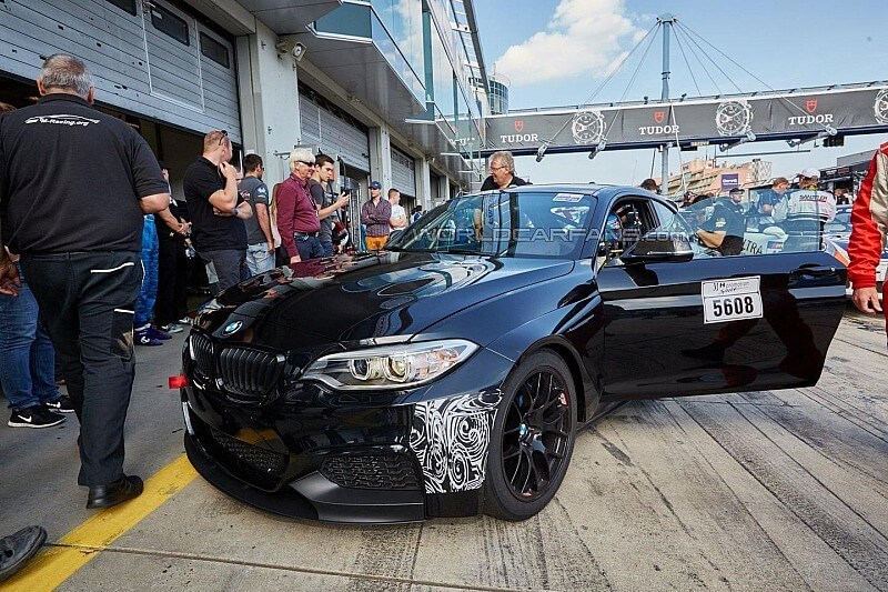 2015-5900822016-bmw-m235i-racing-racing-cup-spy-photo
