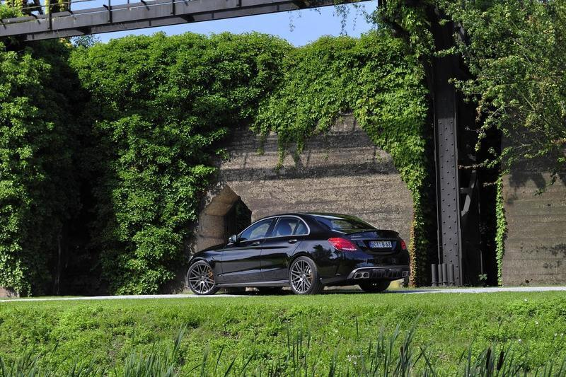 2015-592237mercedes-amg-c63-s-by-brabus