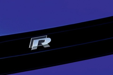 2009-Volkswagen-Scirocco-R-09.jpg_595