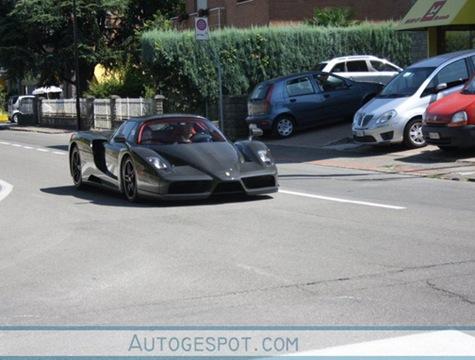 504x_Ferrari_Enzo_Carbon_2