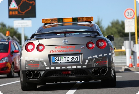 Nissan-GT-R-Fire-Fighter-1