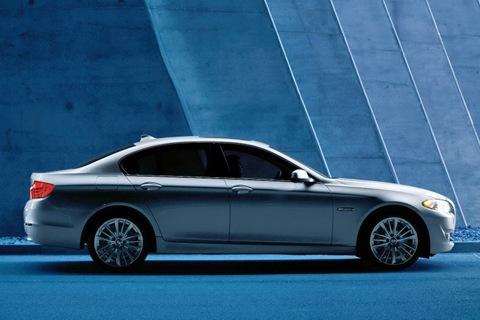 2011-BMW-5-Series-40
