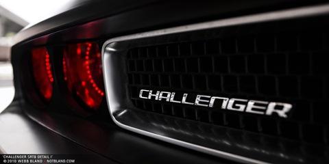 challenger_srt8_detail_1