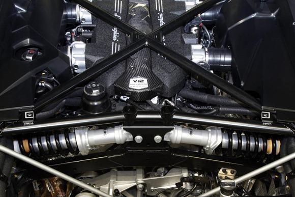 Lamborghini LP700-4 Aventador 9