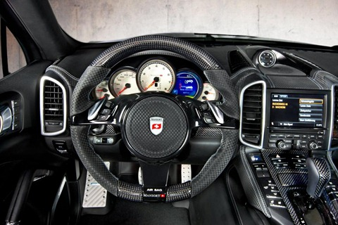 Wide-body Porsche Cayenne by Mansory 24