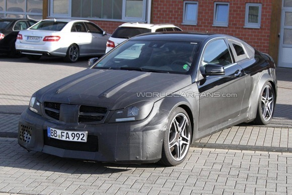Mercedes-Benz C63 AMG Coupe Black Series  3