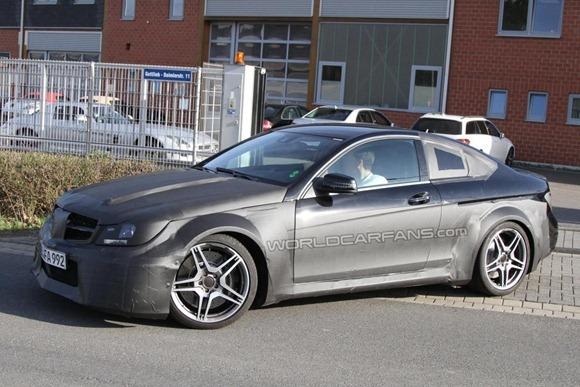 Mercedes-Benz C63 AMG Coupe Black Series  4