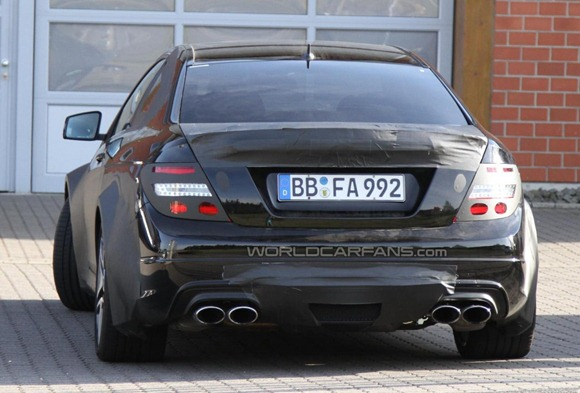 Mercedes-Benz C63 AMG Coupe Black Series 8