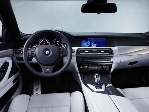 2012 BMW M5 F10 12