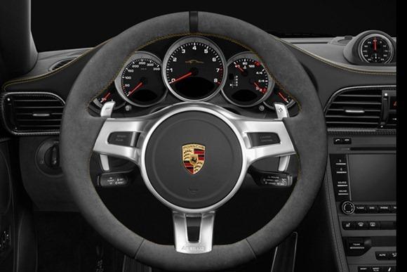 Porsch-911-Turbo-S-China-11
