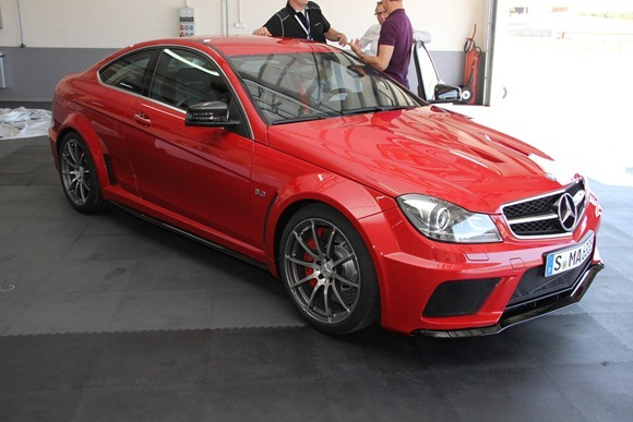 01-2012-mercedes-benz-c63-amg-coupe-black-serieslive