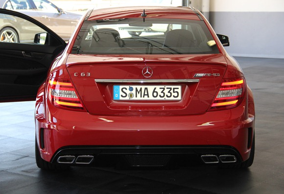 04-2012-mercedes-benz-c63-amg-coupe-black-serieslive