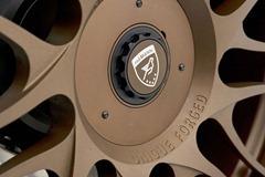 2012-Hamann-BMW-M5-F10M-exterior-logo-on-wheel-details