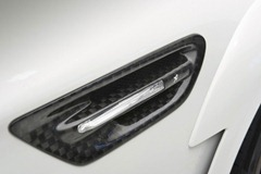 2012-Hamann-BMW-M5-F10M-exterior-right-side-sign-light-carbon-cover-details