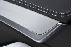 2012-Hamann-BMW-M5-F10M-interior-leather-details-close-up-view