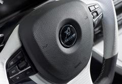 2012-Hamann-BMW-M5-F10M-interior-steering-wheel-details