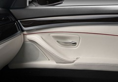 Kostadin-Stoyanov-Vilner-BMW-5-Series-F10-interior-door-panel-details