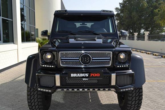 Brabus-700-4