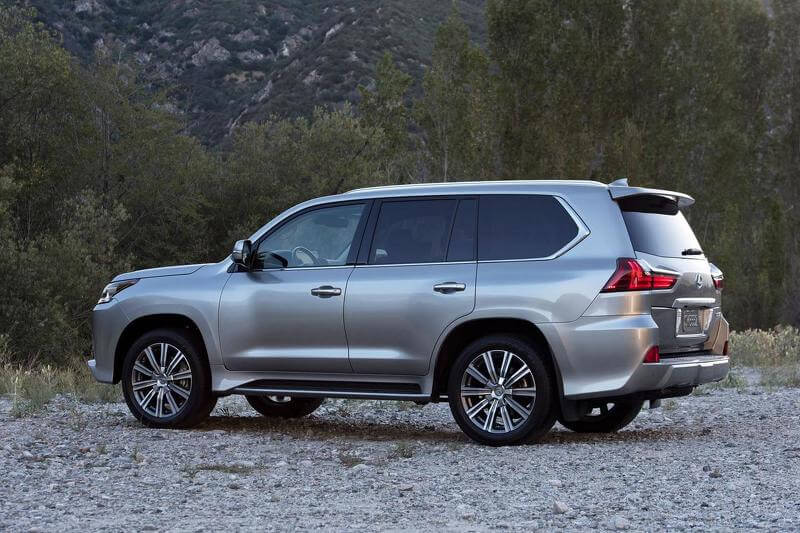 2015-5879582016-lexus-lx-570-facelift