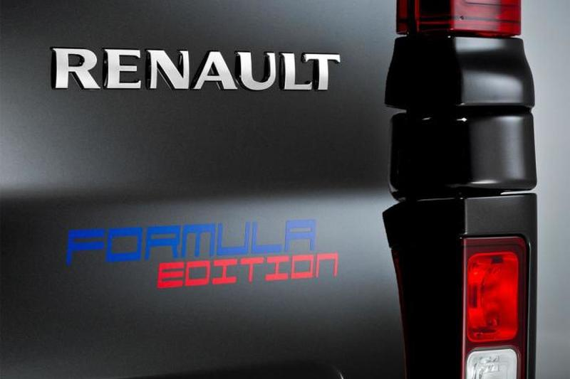 2015-588224renault-trafic-formula-edition