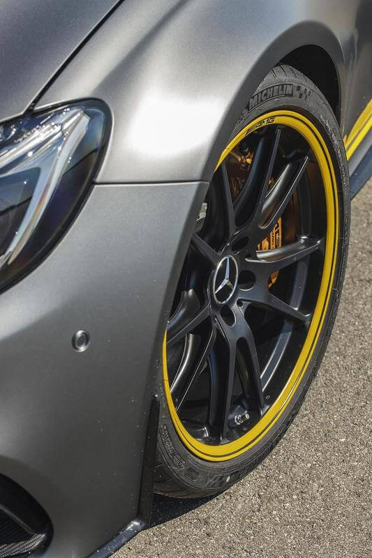 2015-594013mercedes-amg-c63-coupe-edition-1